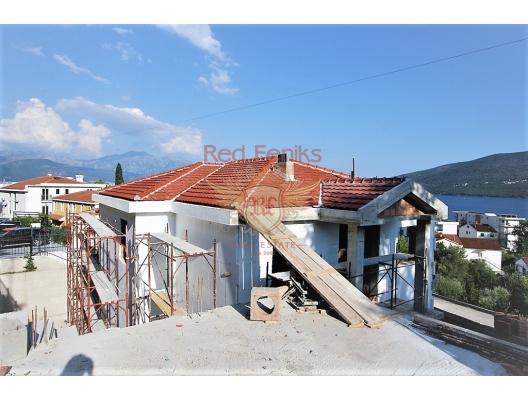 Tivat Koyu'nda panoramik deniz manzaralı ev, Karadağ satılık ev, Karadağ satılık müstakil ev, Karadağ Ev Fiyatları