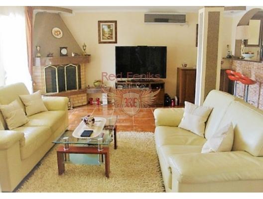 Kumbor'da panoramik manzaralı muhteşem ev, Karadağ da satılık havuzlu villa, Karadağ da satılık deniz manzaralı villa, Baosici satılık müstakil ev