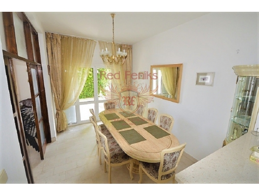 House near the seafront in Herceg Novi, buy home in Montenegro, buy villa in Herceg Novi, villa near the sea Baosici