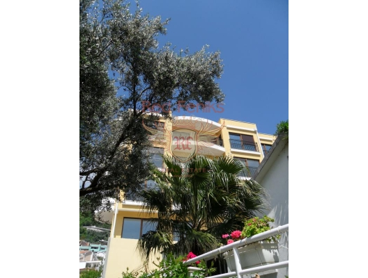 Yeni konut kompleksinde iki odalı bir daire, Karadağ satılık evler, Karadağ da satılık daire, Karadağ da satılık daireler