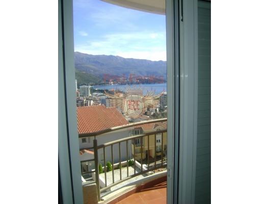Daire 50 metrekareye sahiptir ve mutfak oturma odası, iki yatak odası, banyo, panoramik teras bulunmaktadır.