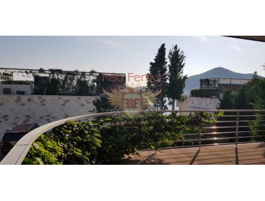 Budva sahilinde prestijli bir kompleks içinde iki yatak odalı daire, karadağ da kira getirisi yüksek satılık evler, avrupa'da satılık otel odası, otel odası Avrupa'da