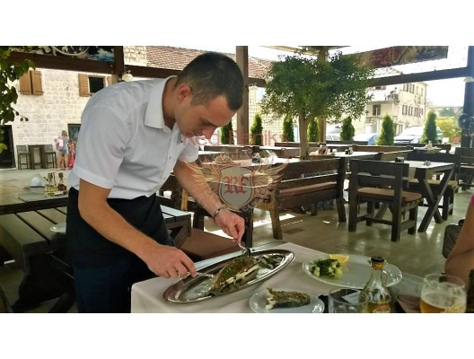 Cozy Restaurant On the Kotor Bay, karadağ da satılık cafe, montenegro satılık lokanta, Karadağ da satılık lokanta