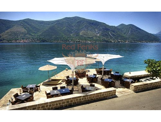 Exclusive hotel in Dobrota (Kotor Bay), commercial property in Kotor-Bay, property with rental potential in Montenegro