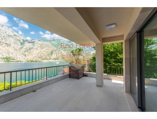 Modern New Villa On The First Line Of The Sea in Muo Kotor, Dobrota house buy, buy house in Montenegro, sea view house for sale in Montenegro