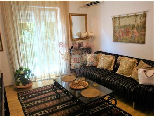 Herceg Novi'de rahat daire, Karadağ da satılık ev, Montenegro da satılık ev, Karadağ da satılık emlak