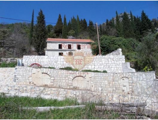 Trebesin'de Taş Ev, Herceg Novi satılık müstakil ev, Herceg Novi satılık villa