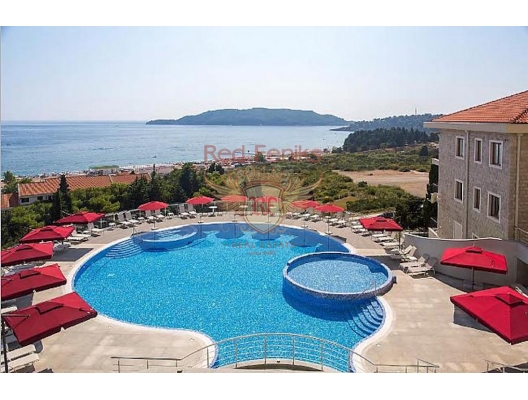For sale studio apartment in the hotel complex in Becici.