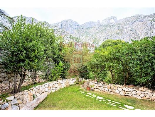 Orahovac köyünde güzel ev, Karadağ satılık ev, Karadağ satılık müstakil ev, Karadağ Ev Fiyatları