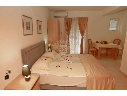 Beçiçi'de Yüzme Havuzlu Hotel, karadağ da satılık cafe, montenegro satılık lokanta, Karadağ da satılık lokanta