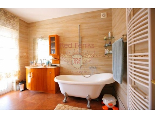 Lovely villa with pool in Igalo Herceg Novi, hotel in Montenegro for sale, hotel concept apartment for sale in Baosici