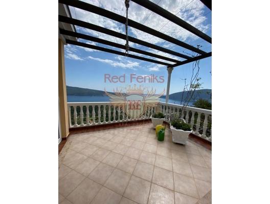 Komfortable Villa Nelitsa in der Gegend von Podi Herceg Novi, Haus mit Meerblick zum Verkauf in Montenegro, Haus in Montenegro kaufen