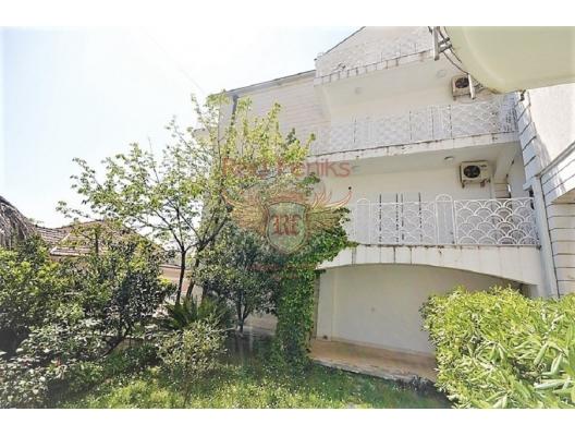 House near the seafront in Herceg Novi, house near the sea Montenegro