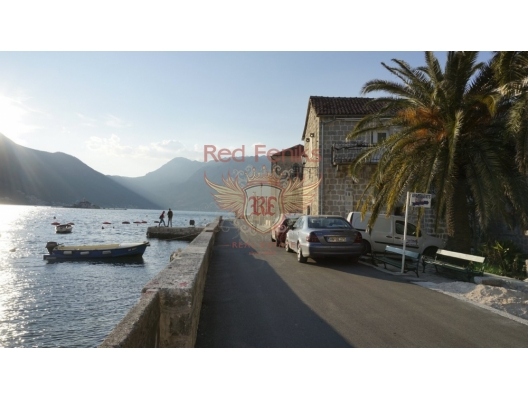 House in Perast on the First Line, Dobrota house buy, buy house in Montenegro, sea view house for sale in Montenegro
