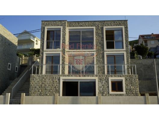Krashichi, Kotor Bay, Karadağ'da ilk satırda satılık yeni Villa.
