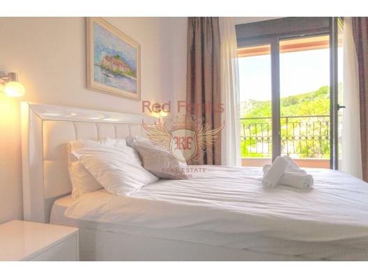 Prekrasna vila u Pržnu u kompleksu sa bazenom, Region Budva kupiti kuću, Becici kuća prodaja