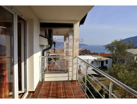 Cozy apartment overlooking the bay in a new house in Igalo., sea view apartment for sale in Montenegro, buy apartment in Baosici, house in Herceg Novi buy