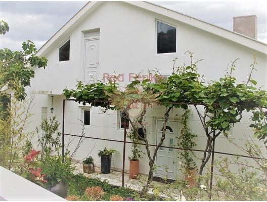 Igalo bahçeli büyük bir şekilde döşenmiş ev, Herceg Novi satılık müstakil ev, Herceg Novi satılık villa
