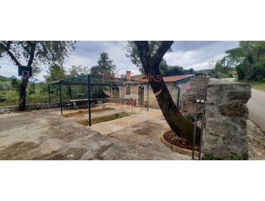 Glavaticichi, Kotor topluluğu, Lustitsa köyündeki rahat taş mustakil ev, Karadağ satılık ev, Karadağ satılık müstakil ev, Karadağ Ev Fiyatları