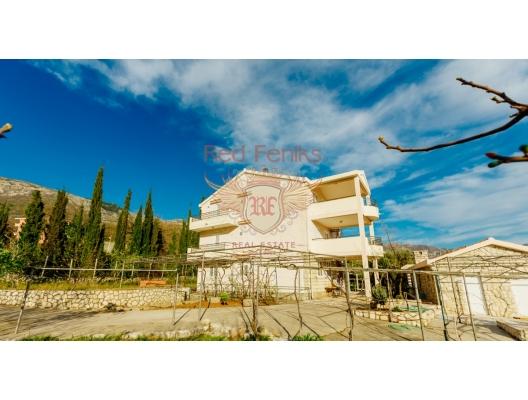 Becici'de deniz manzaralı bütün kat üç yatak odalı ev, becici satılık daire, Karadağ da ev fiyatları, Karadağ da ev almak