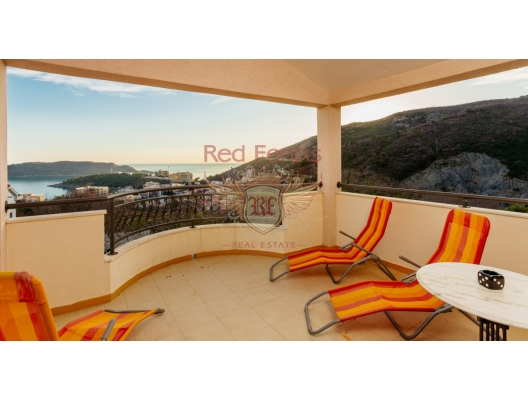 Becici'de deniz manzaralı bütün kat üç yatak odalı ev, Becici da ev fiyatları, Becici satılık ev fiyatları, Becici da ev almak