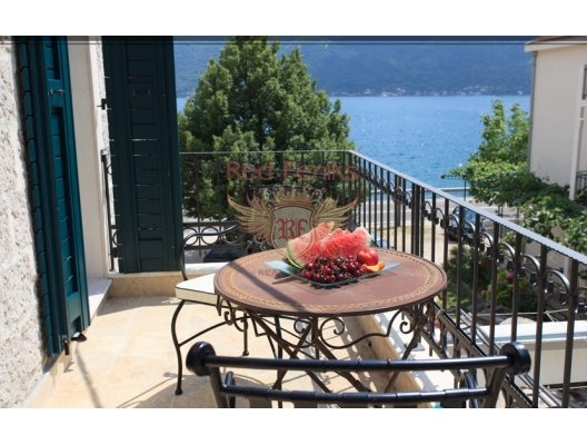 Apartments and Villas in a modern complex on the first line in Kostanica, sea view apartment for sale in Montenegro, buy apartment in Dobrota, house in Kotor-Bay buy