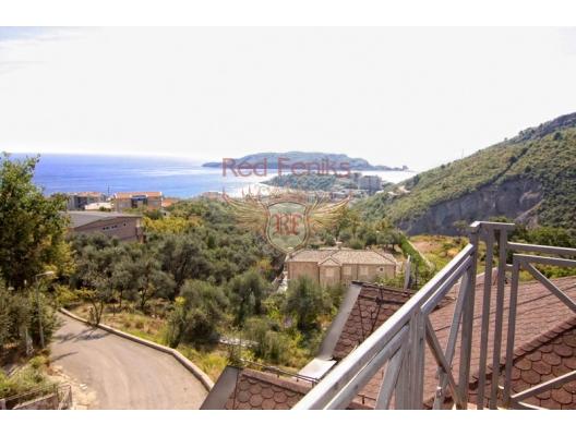 For sale beautiful villa with sea view in Becici Area of the villa 450m2.