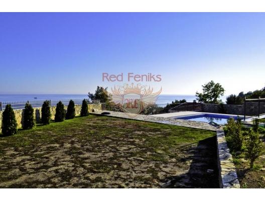 Zeleni Pojas'ta Villa, Karadağ da satılık havuzlu villa, Karadağ da satılık deniz manzaralı villa, Bar satılık müstakil ev