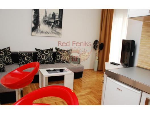 Budva'nın merkezinde yeni ve modern bir evde daire.