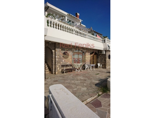 Villa mini-hotel for renovation, commercial property in Region Bar and Ulcinj, property with rental potential in Montenegro