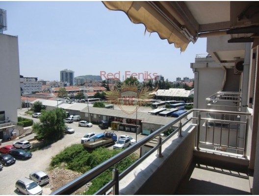 A beautiful apartment in Budva with an area of 42 m2 is located on the fourth floor.