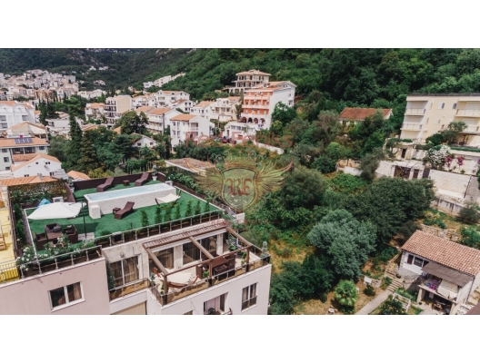 Budva'da 3 yatak odalı ve deniz manzaralı dubleks daire, Karadağ satılık evler, Karadağ da satılık daire, Karadağ da satılık daireler