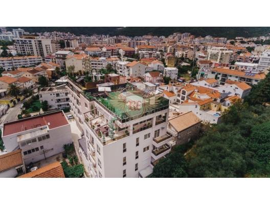 Budva'da 3 yatak odalı ve deniz manzaralı dubleks daire, Becici da satılık evler, Becici satılık daire, Becici satılık daireler