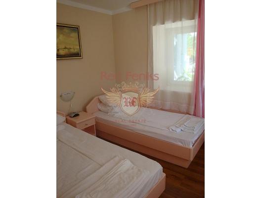 Frontline Hotel Satılık Kumbor, Herceg Novi bölgesi, Karadağ.