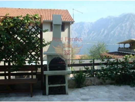 Boko Kotorsky Körfezi, Prcanj'de Ev, Karadağ da satılık havuzlu villa, Karadağ da satılık deniz manzaralı villa, Dobrota satılık müstakil ev