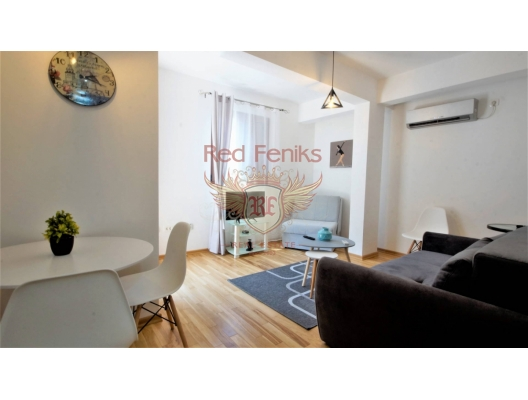 The one bedroom apartment is located near the city center, less than 5 minutes walk to the Old Town and the beach.