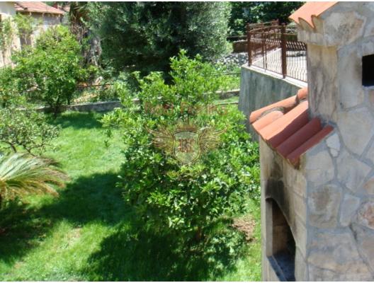 Spacious House in Skoljari, Dobrota satılık müstakil ev, Dobrota satılık müstakil ev, Kotor-Bay satılık villa