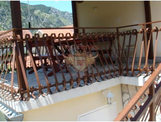 Spacious House in Skoljari, Karadağ da satılık havuzlu villa, Karadağ da satılık deniz manzaralı villa, Dobrota satılık müstakil ev