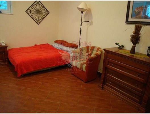 İlk sahil şeridinde büyük daire, Dobrota da ev fiyatları, Dobrota satılık ev fiyatları, Dobrota da ev almak