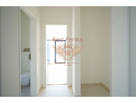 Spacious Apartment on the First Line, apartment for sale in Kotor-Bay, sale apartment in Dobrota, buy home in Montenegro