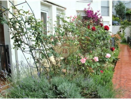 Igalo'da havuzlu ve bahçeli muhteşem daire, Herceg Novi da satılık evler, Herceg Novi satılık daire, Herceg Novi satılık daireler