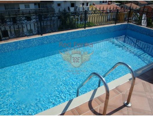Igalo'da havuzlu ve bahçeli muhteşem daire, Karadağ satılık evler, Karadağ da satılık daire, Karadağ da satılık daireler
