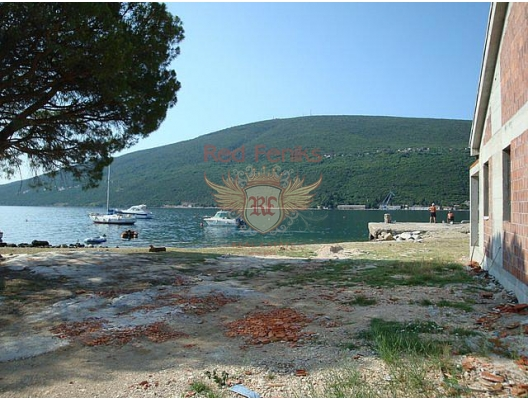 1 873 metrekarelik arsa alanı satılıktır.