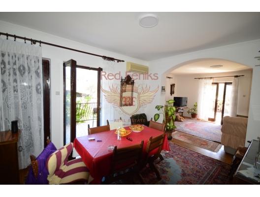 Very nice house with apartments place Bijela, Karadağ da satılık havuzlu villa, Karadağ da satılık deniz manzaralı villa, Baosici satılık müstakil ev