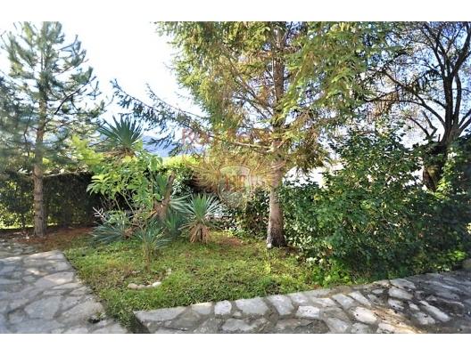 Djenovici'de deniz manzaralı ev, Karadağ satılık ev, Karadağ satılık müstakil ev, Karadağ Ev Fiyatları