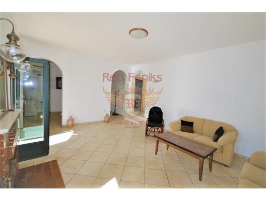 Djenovici'de deniz manzaralı ev, Herceg Novi satılık müstakil ev, Herceg Novi satılık villa