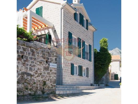 VIllas in complex Lucici SOLD, house near the sea Montenegro