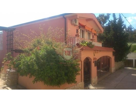 Bar'da ev, Karadağ da satılık havuzlu villa, Karadağ da satılık deniz manzaralı villa, Bar satılık müstakil ev