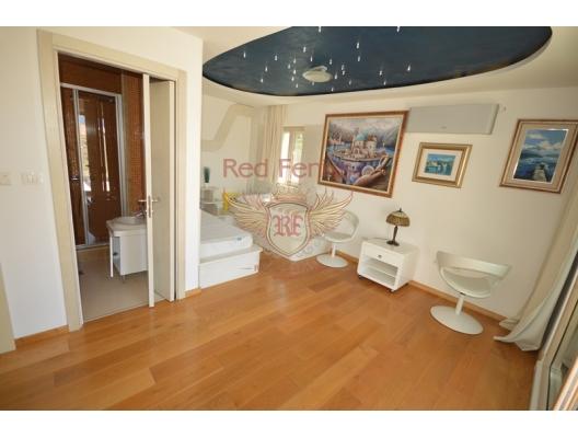 Super luxury Villa near the sea in Tivat, buy home in Montenegro, buy villa in Region Tivat, villa near the sea Bigova