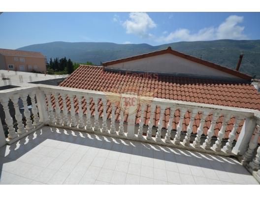 New house in a green neighborhood near the town of Herceg Novi, buy home in Montenegro, buy villa in Herceg Novi, villa near the sea Baosici